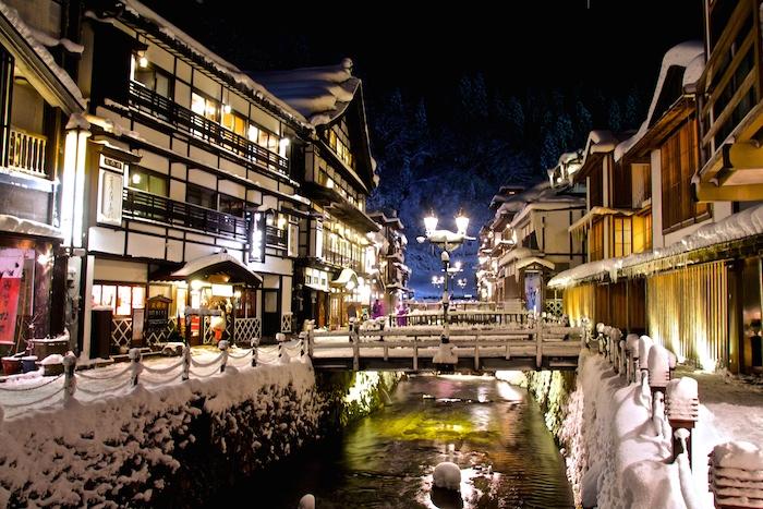 冬絶景!山形銀山温泉|街並みの雪景色が幻想的すぎる!